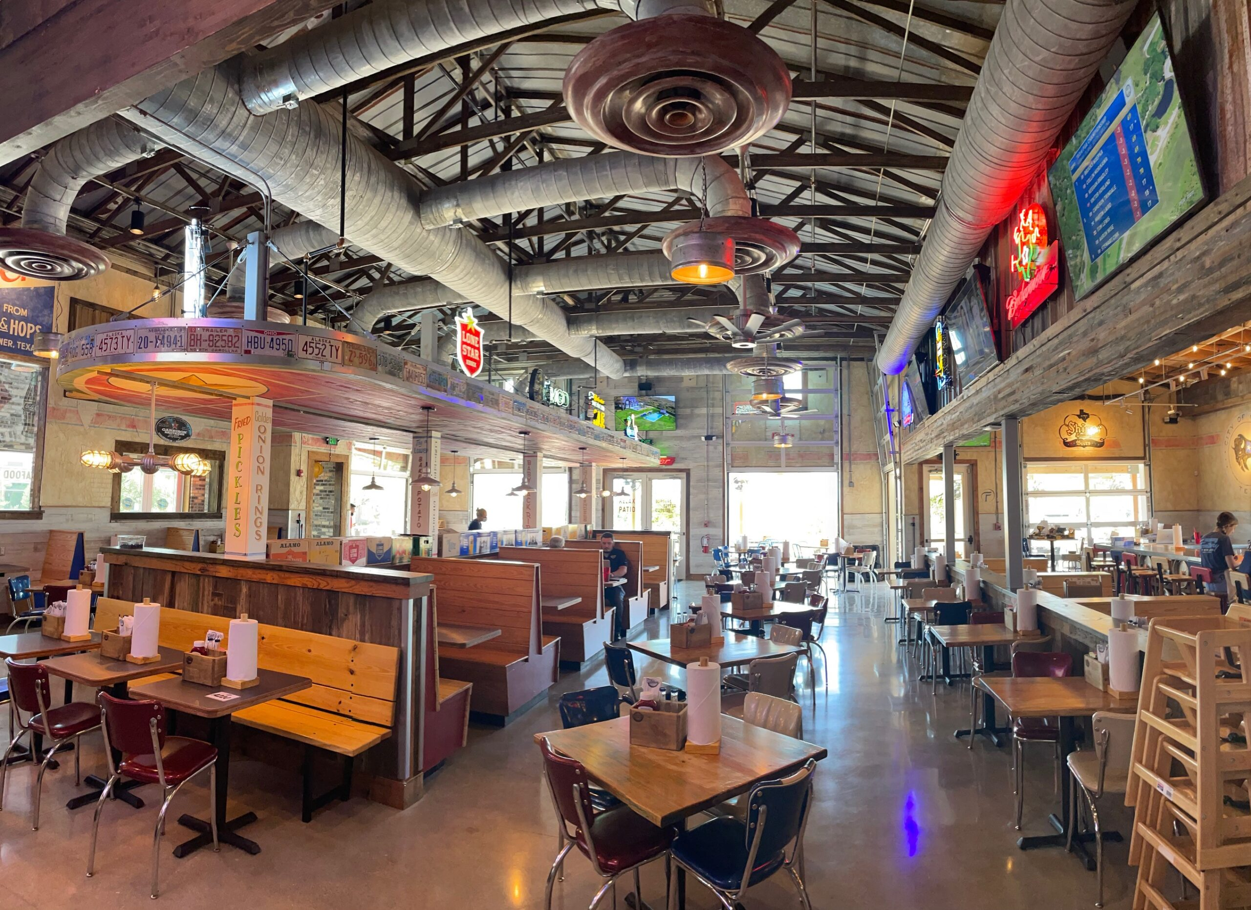 Willie's Grill & Icehouse Opens Flagship Restaurant